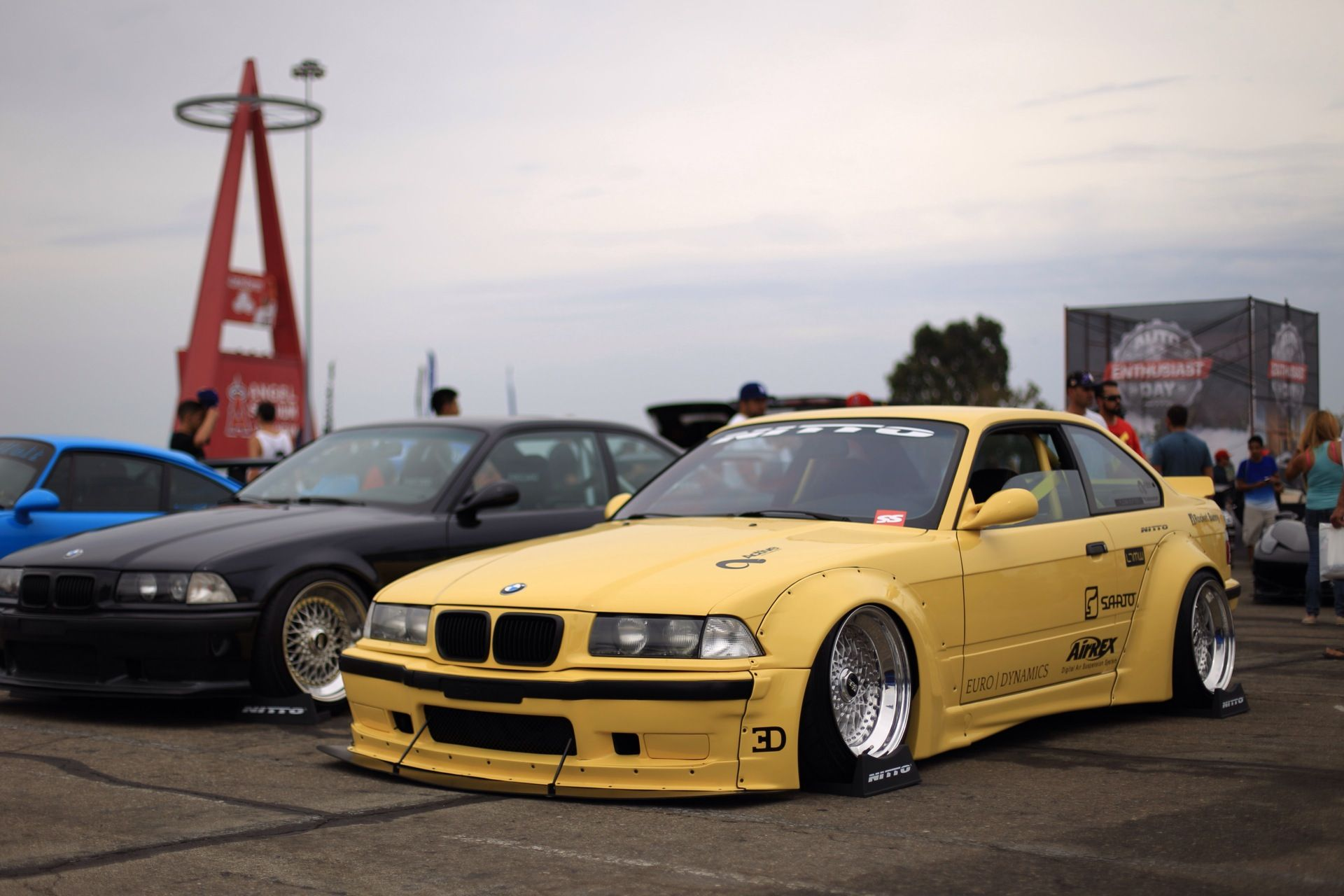 Your opinion on this BMW? Carros adesivados, Bmw, Carros