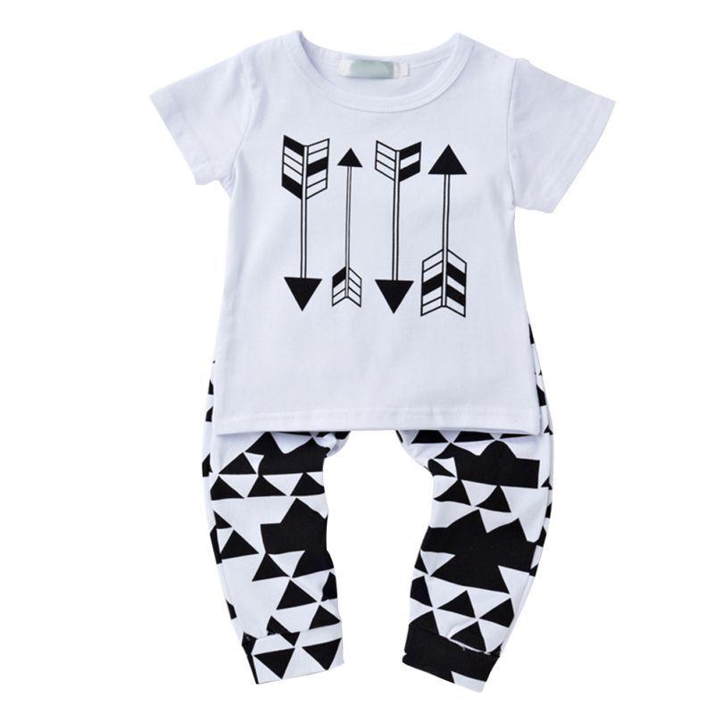 89a6fda067942 2 Unids Verano 0-18 M Niños Baby Boy Flecha de Impresión Traje Casual Manga