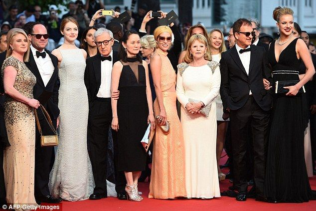 The whole gang: Emma Stone (3rd L), US director Woody Allen (4th L) and his wife Soon-Yi (C), US actress Parker Posey (4th R) and US actress Allie Marshall (R) pose as they arrive for the screening of the film