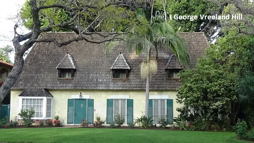 This Is The House In Beverly Hills Where Marilyn Monroe And Joe Dimaggio Lived During Their Short Marriag Beverly Hills Houses Hollywood Homes Celebrity Houses