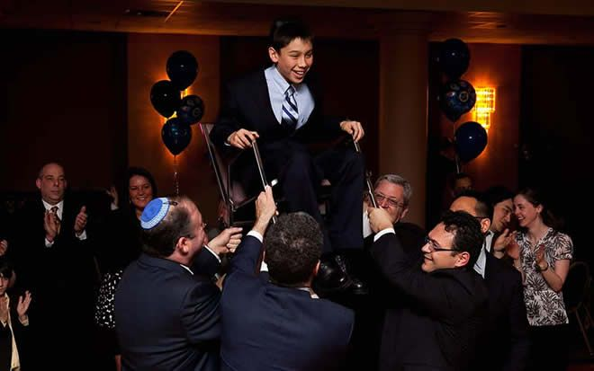 Bar Mitzvah DJ in Montreal offers unique and fun Kids party Entertainment to keep any age dancing and participating from the grand entrance to the last song.