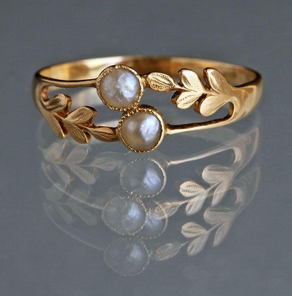 Edwardian Laureate Ring in Gold & Pearl c1905 <3 - indian gold jewelry, diamond jewellery online, jewelry on sale online *sponsored https://www.pinterest.com/jewelry_yes/ https://www.pinterest.com/explore/jewellery/ https://www.pinterest.com/jewelry_yes/custom-jewelry/ https://www.worthmorejewelers.com/