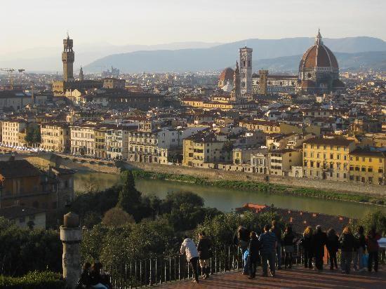 Piazzale Michelangelo Viale Michelangelo  50125 Florence