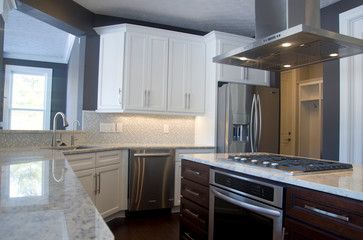Olde Orchard Petros Homes Contemporary Kitchen With Granite