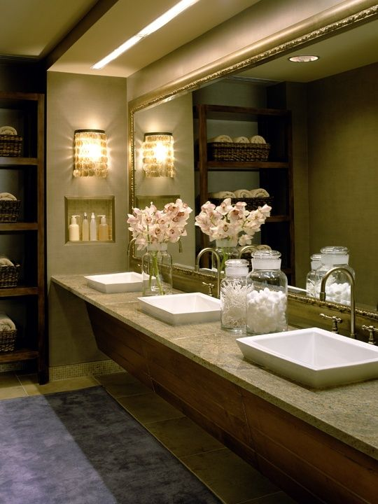 ladies dressing rooms in country clubs | Via Amy Staker-Breitinger