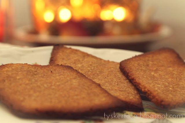 Pepperkaker(bruk fibersirup og sukrin gold)
