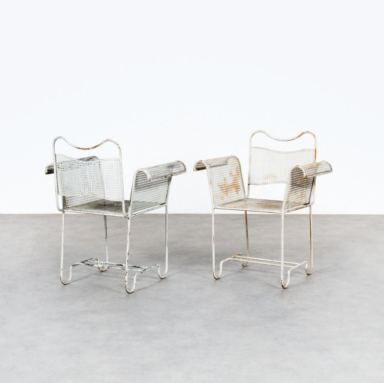MATHIEU MATÉGOT 1910-2001 Paire de fauteuils de jardin modèle ...