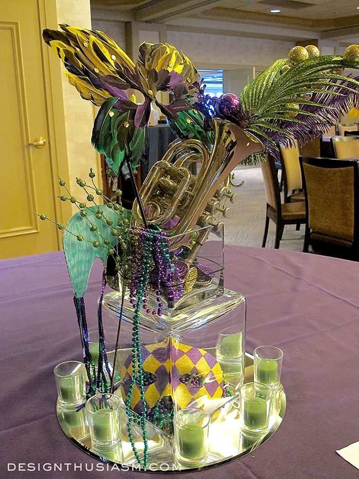 Decorating with mardi gras centerpieces mardi gras for Decoration epiphanie