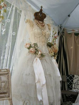 I love dress forms, antique gowns, roses, lace, & crowns.....so this is perfect!