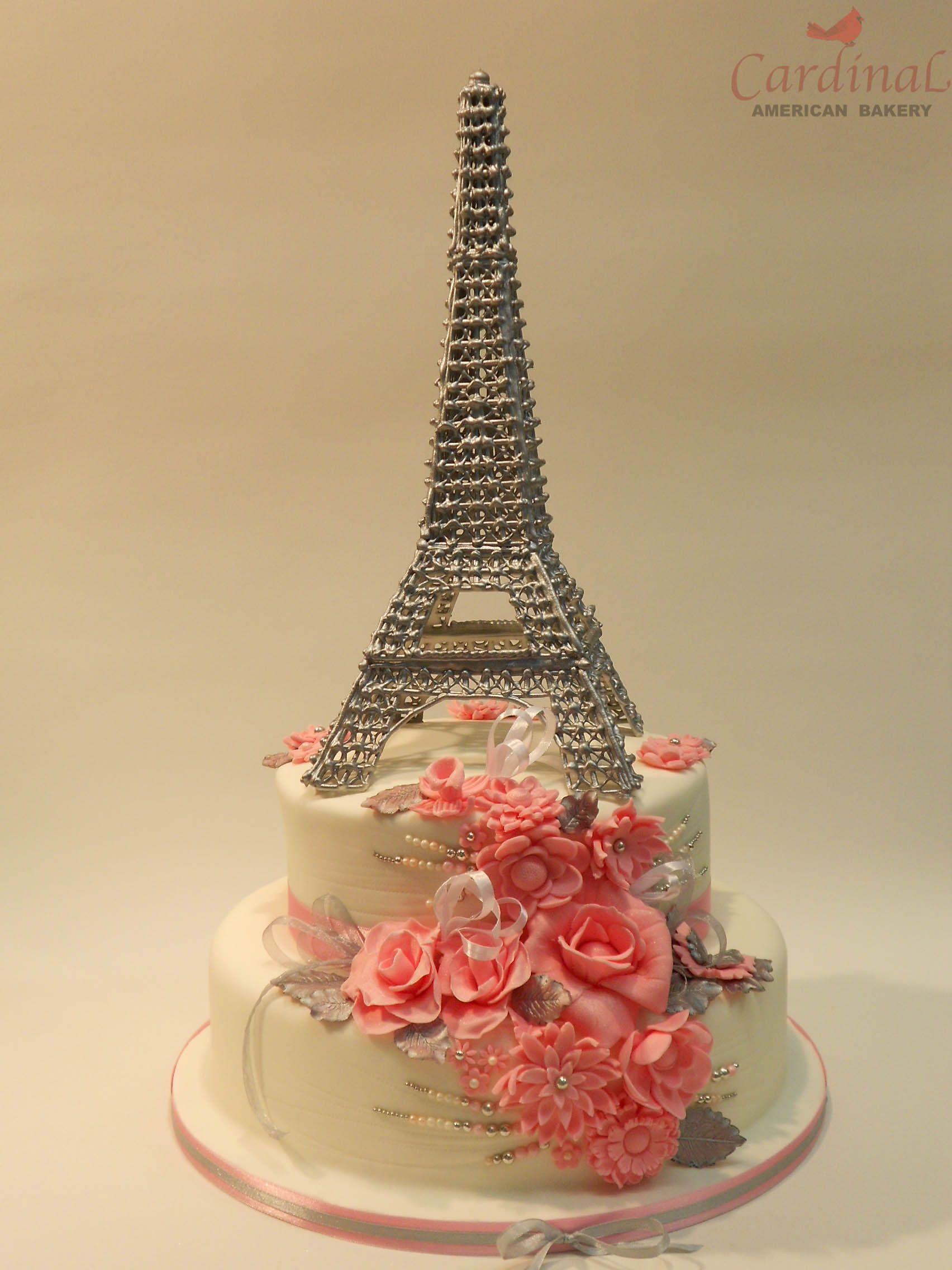 Silver eiffel tower wedding cake / Eiffel plateado | SriMati ...