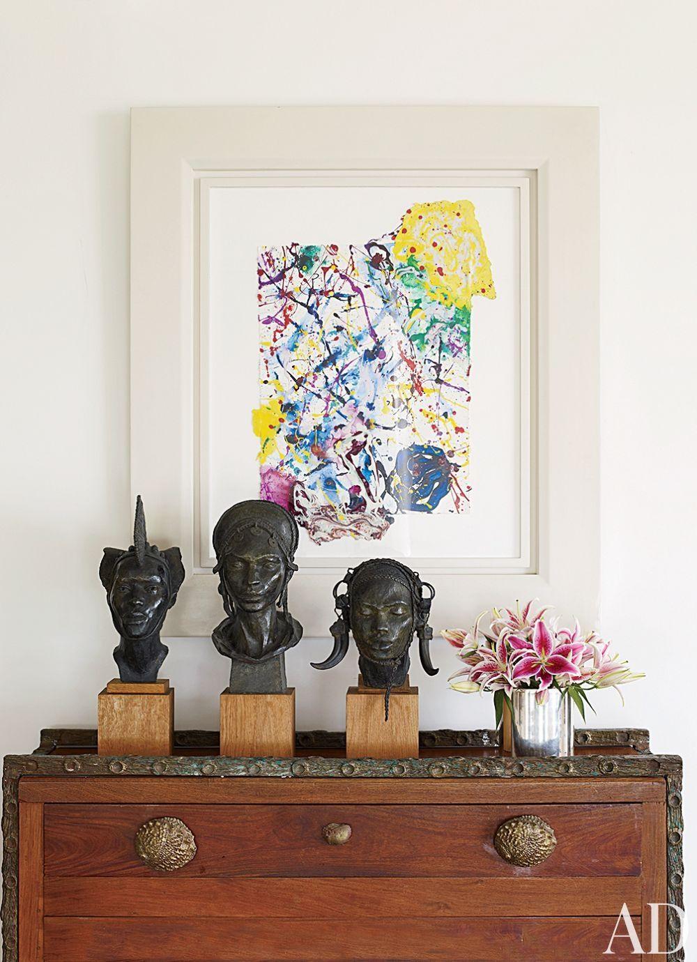 Contemporary living room by alberto pinto and bernardes jacobsen arquitectura in rio de janeiro brazil