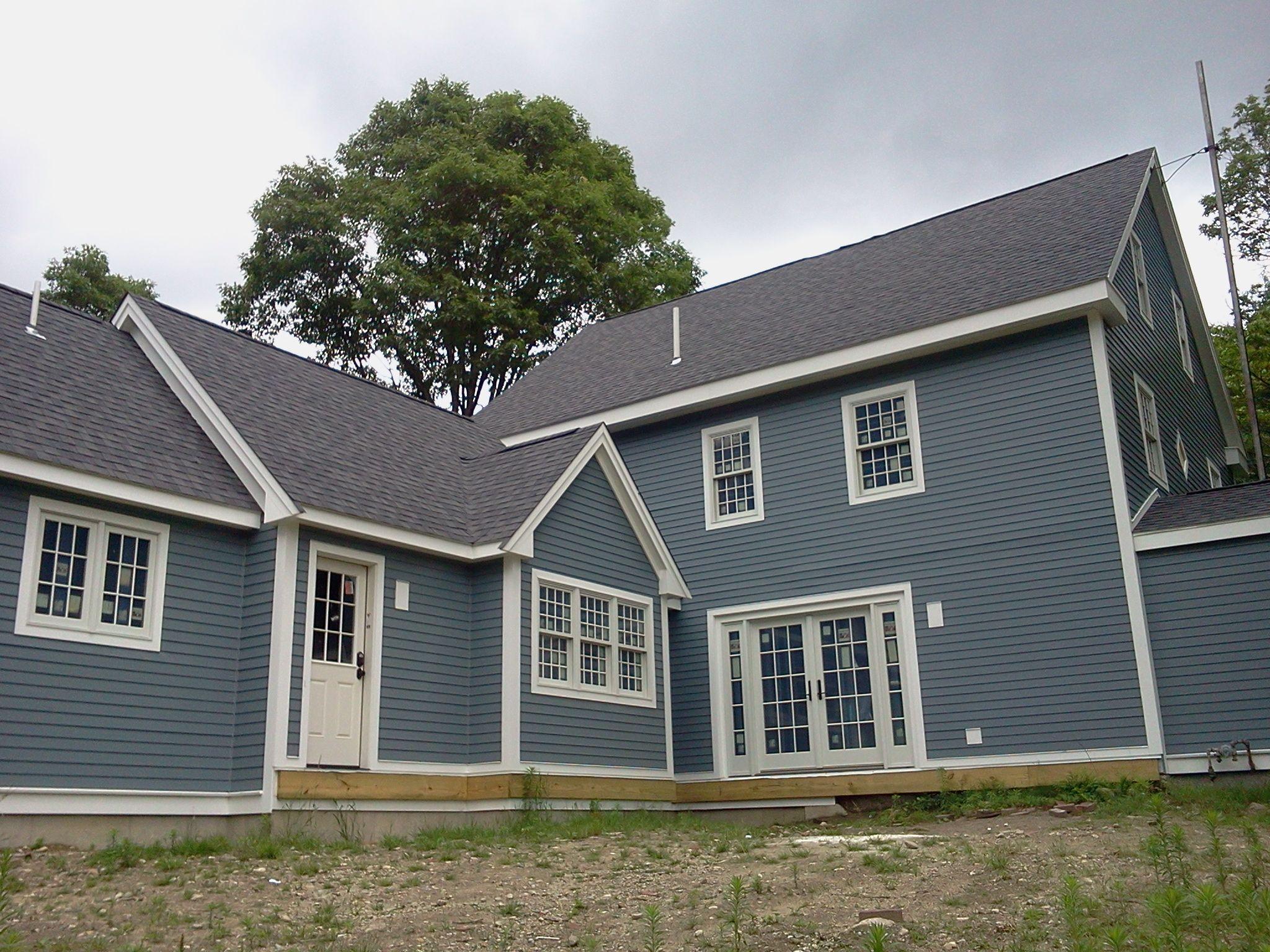 Hardiplank Boothbay Blue Color On Historic Sharon Ma Home House Siding Hardy Plank Siding Craftsman House