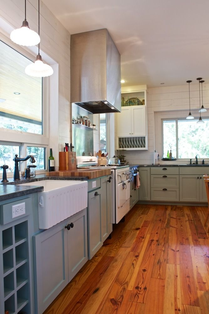Farmhouse Kitchen Design Ideas amazing furniture in small farmhouse kitchen design with white cabinet on best tile floor 1000 Images About Chambers Stoves On Pinterest Vintage Stoves Stove And Vintage Appliances