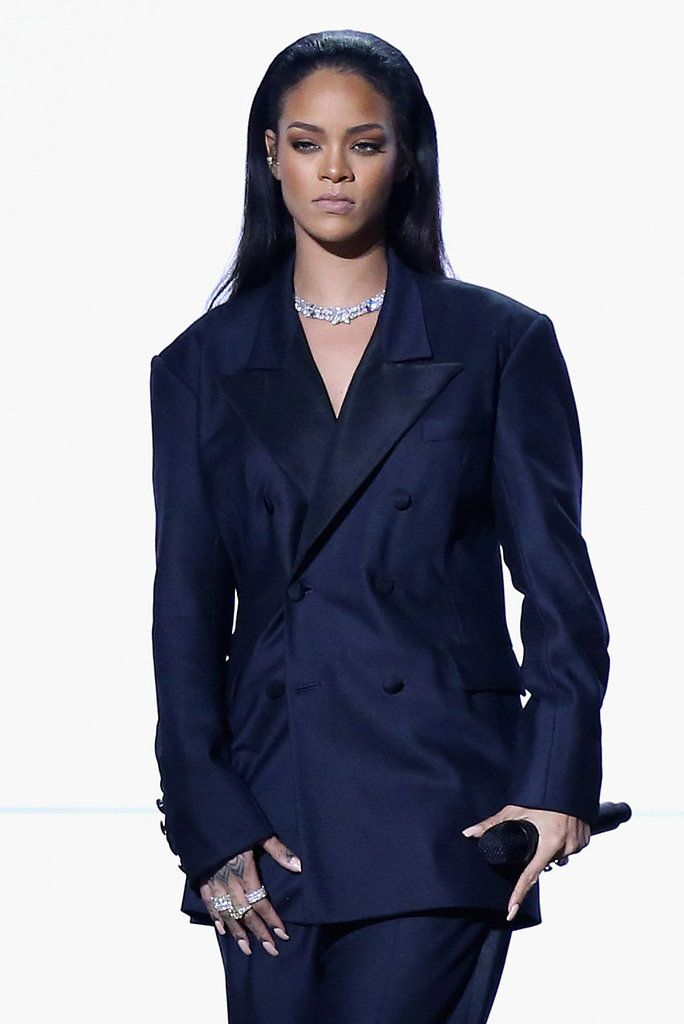 Rihanna Grammy 2015 Maison Margiela Google Search Rihanna Outfits Rihanna Dress Rihanna Style