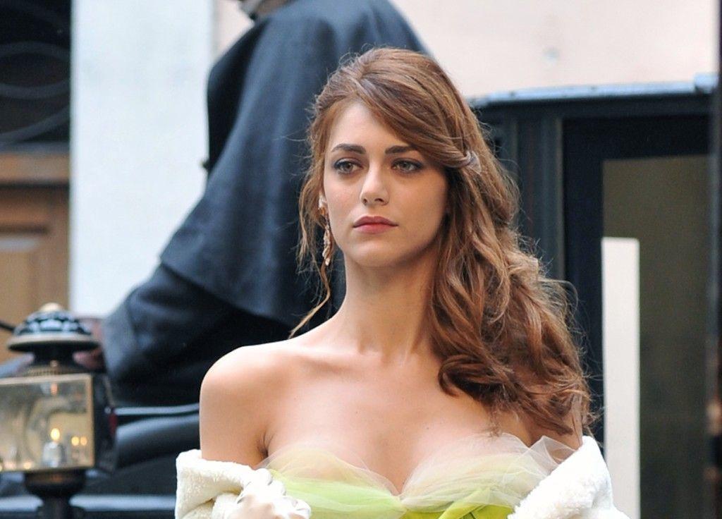 Miriam LEONE......wrap1talia   Leone, Capelli per ...