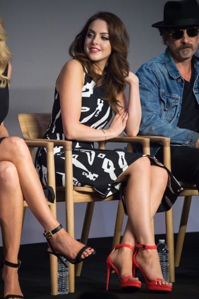 Elizabeth Gillies Sexy Celebrity Legs Gallery Zeman Celeb Legs