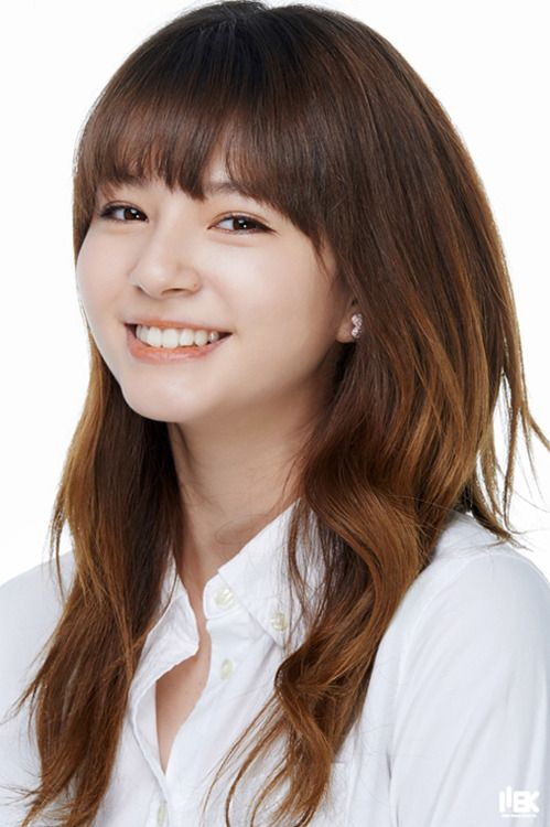 Cutie! Her smile reminds me of - 51.7KB