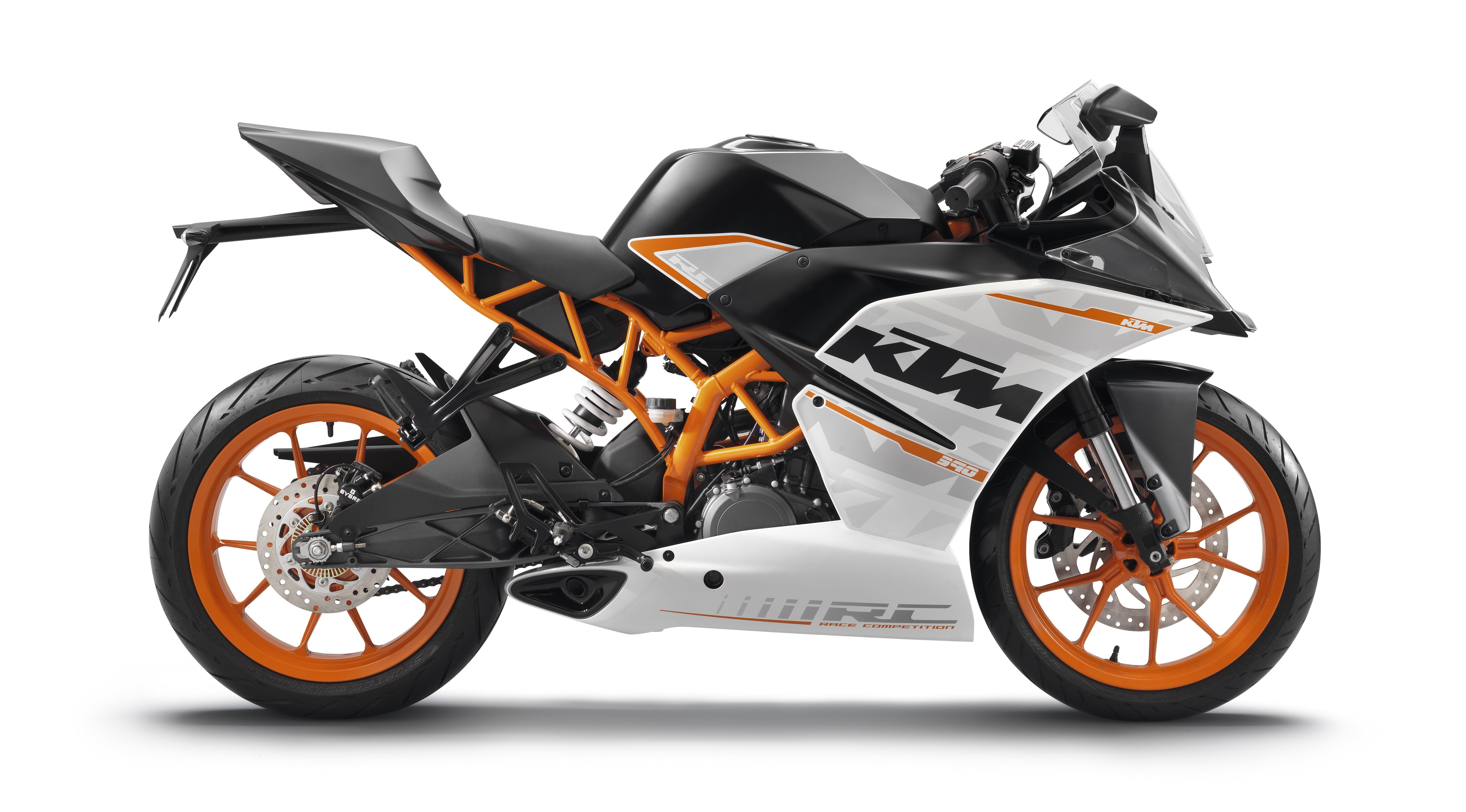 2020 Ktm Rc 390 First Ride From Ktm Targets 2 5 Lakh Bike Sales In