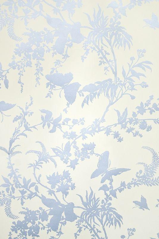 Tropical Floral Wallpaper Striking Cream Wallpaper With Metallic Blue Tropical Floral Design Vintage Floral Wallpapers Wallpaper Floral Wallpaper