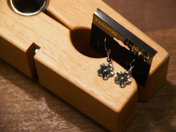Silver Flowers by tammisknickknacks on Etsy