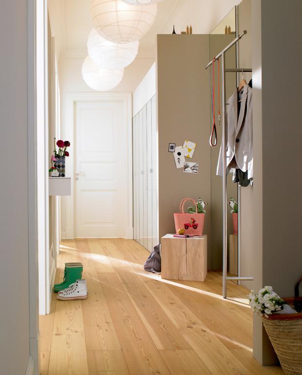 Farbgestaltung treppenhaus altbau  ▷ Den Flur gestalten: Die besten Tipps | Helle farben, Flure und ...