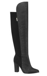 5a29b5974d Bota feminina em camurça cano longo preta Beira Rio. Feita em camurça e  lycra com