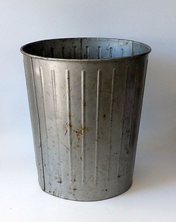 Vintage Metal Trash Can Industrial Rusty Decor Garbage Pail Etsy Metal Trash Cans Trash Can Vintage Metal