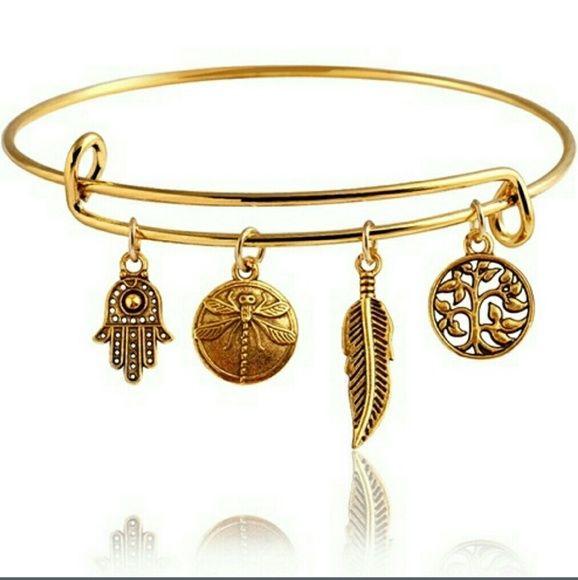 Golden Charm Bracelet NWT! You will loooove this bracelet! Jewelry Bracelets