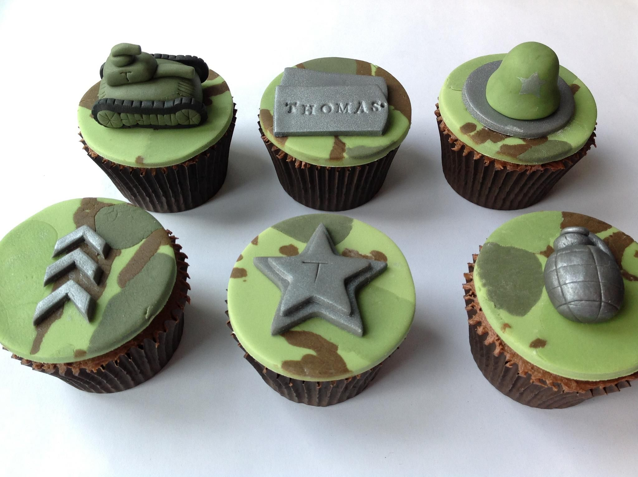 Best 25 Army cupcakes ideas on Pinterest Military cupcakes