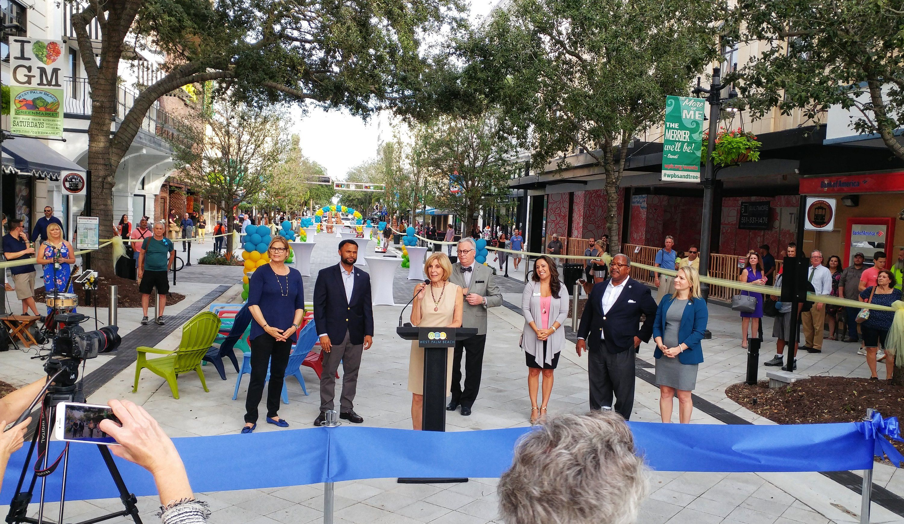 Mayor Jmuoio Westpalmbch Commish Are Opening The 300 Block Ilovewpb Clematis Street Blocks Open