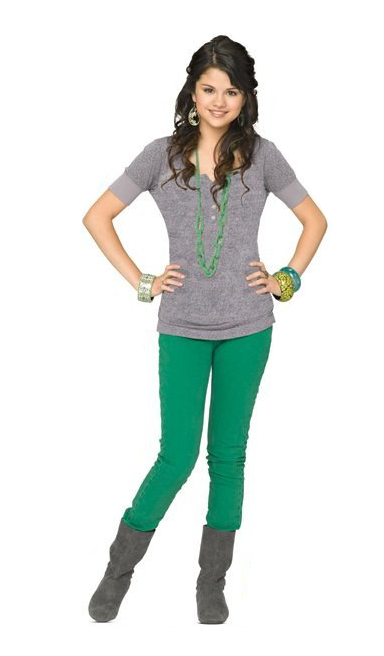 Selena Gomez As Alex Russo In Wizards Of Waverly Place Wizards Of Waverly Place Photo Shoot Selena Gomez Outfits Selena Gomez Photos Selena Gomez