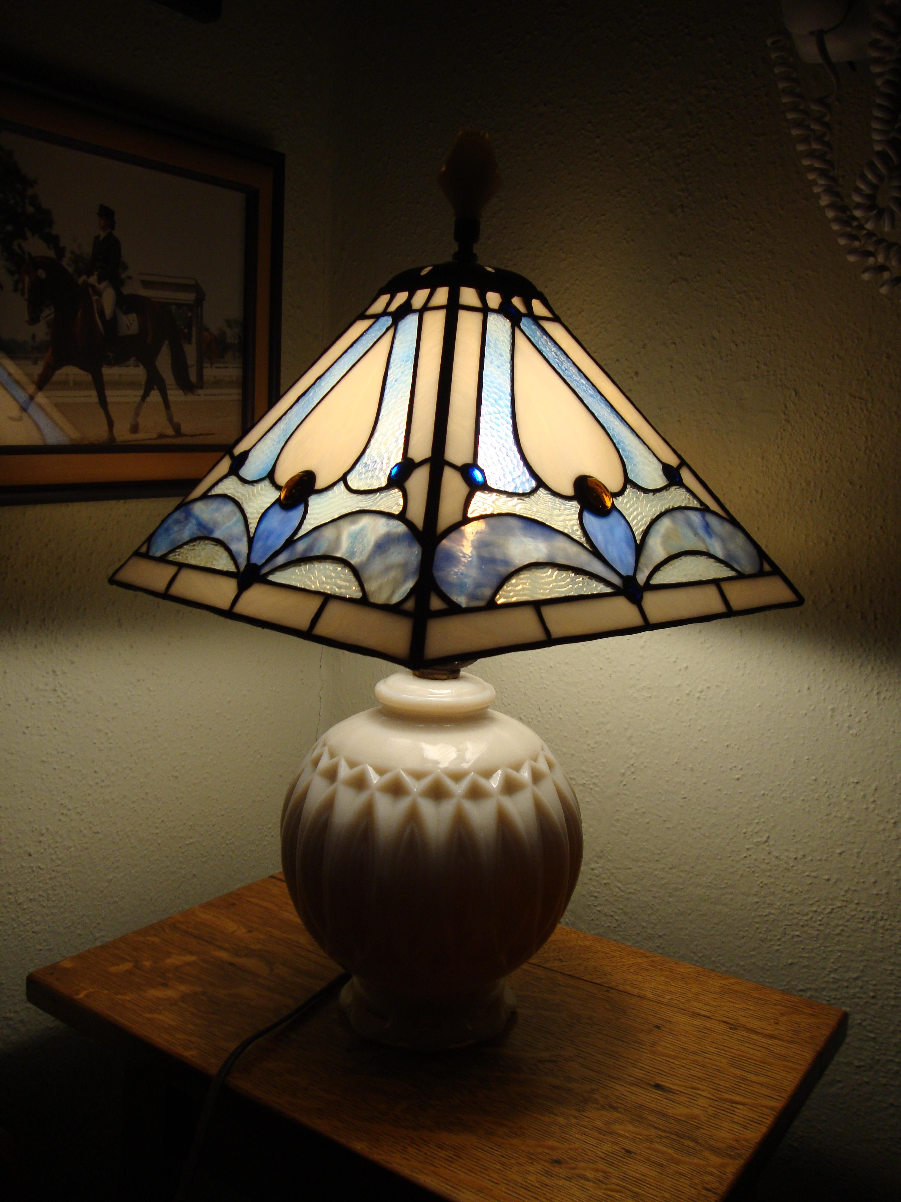 Lampshade On Vintage Base Delphi Artist Gallery Stained Glass Lamps Stained Glass Lamp Shades Stained Glass Candles