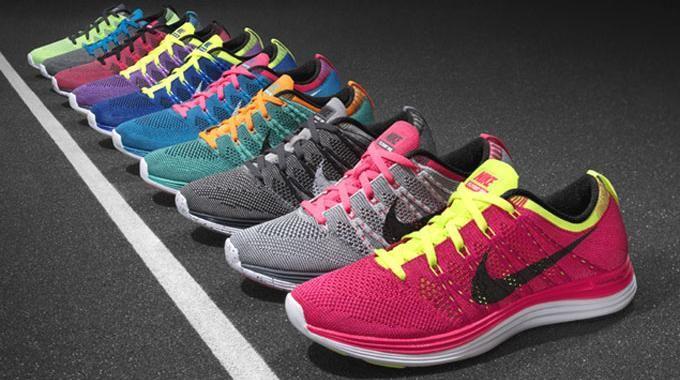 Un Truc Méconnu pour Réparer des Chaussures à Talons Abîmés.   Baskets nike,  Chaussures de course nike, NikePinterest