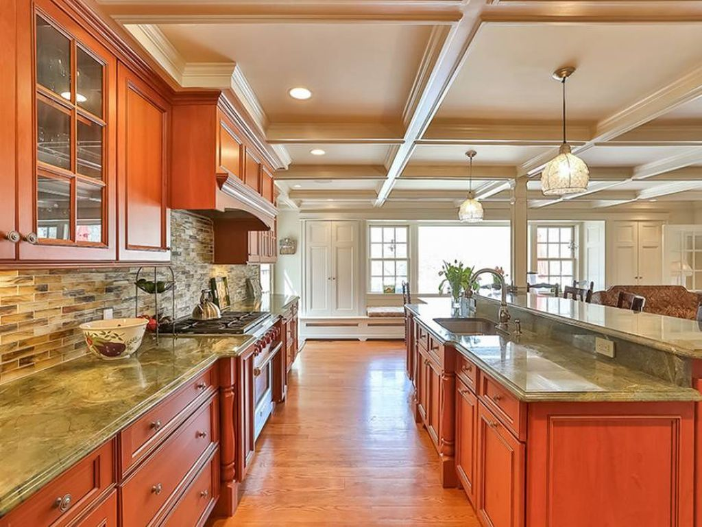 105 Old Corner Rd, Bedford, NY 10506 | Zillow | Kitchen ...
