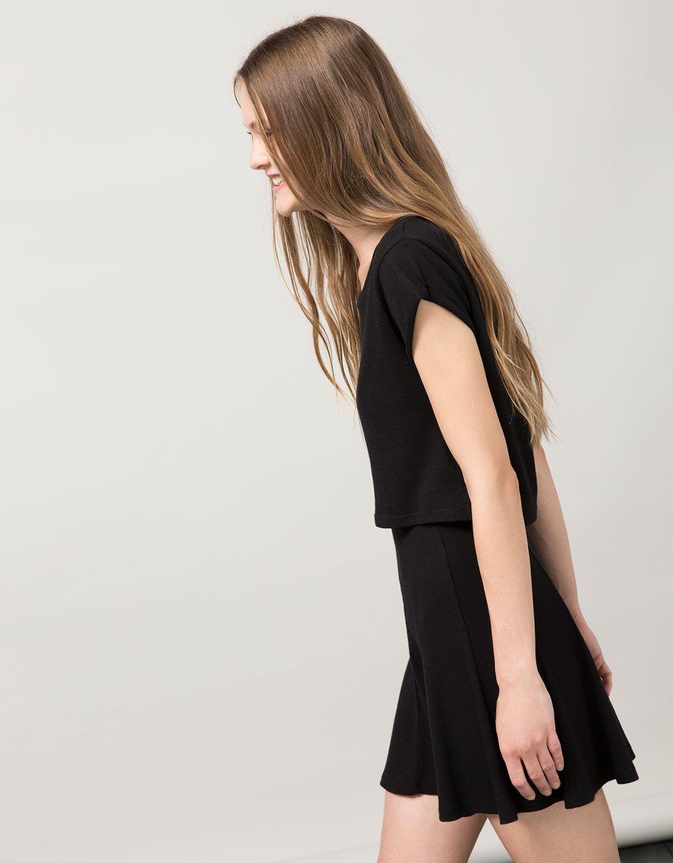 Falda BSK skater ribete. Descubre ésta y muchas otras prendas en Bershka con nuevos productos cada semana