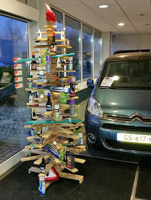 Automotive kerstboom - christmas tree at Bart Ebben Specialist ...
