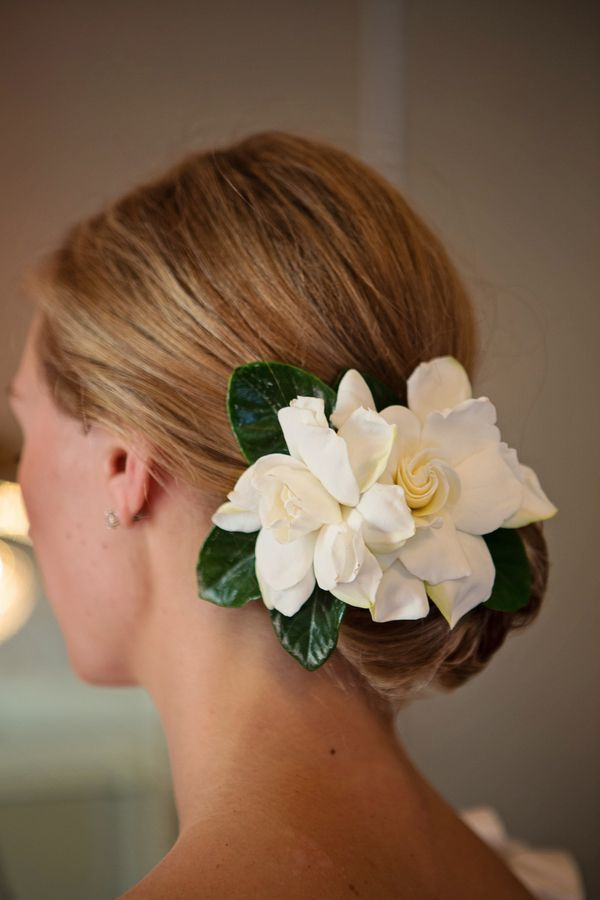 Bride Wears Fresh Gardenias Greenery In Her Hair Flowers In Hair Gardenia Bouquet Gardenia Wedding
