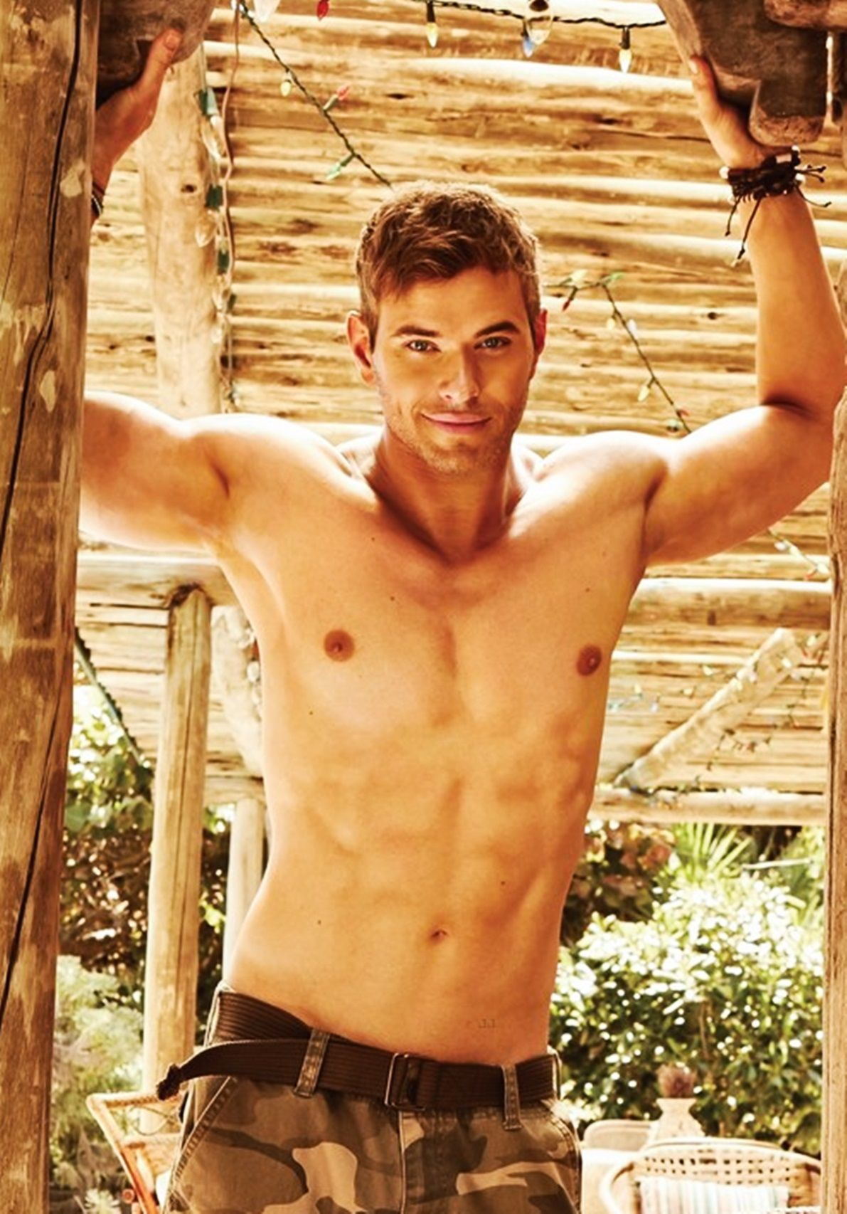 Kellan Lutz- My ultimate man crush he is SUCH A HUNK!!!!