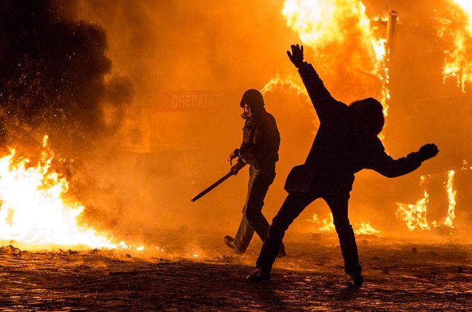 In Pictures: Ukraine's intensifying protests. - #Internacional: Se incrementan las protestas antigobierno en #Kiev, #Ucrania. #International #Ukraine #Europe