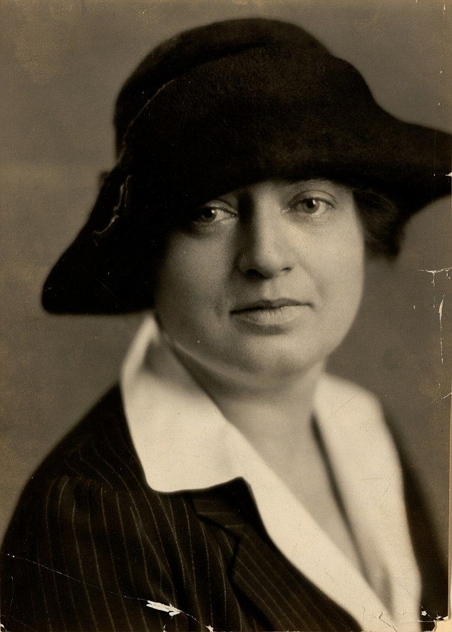 Lorena 'Hick' Hickok (pictured) and Eleanor Roosevelt both grew up  believing they were hom.