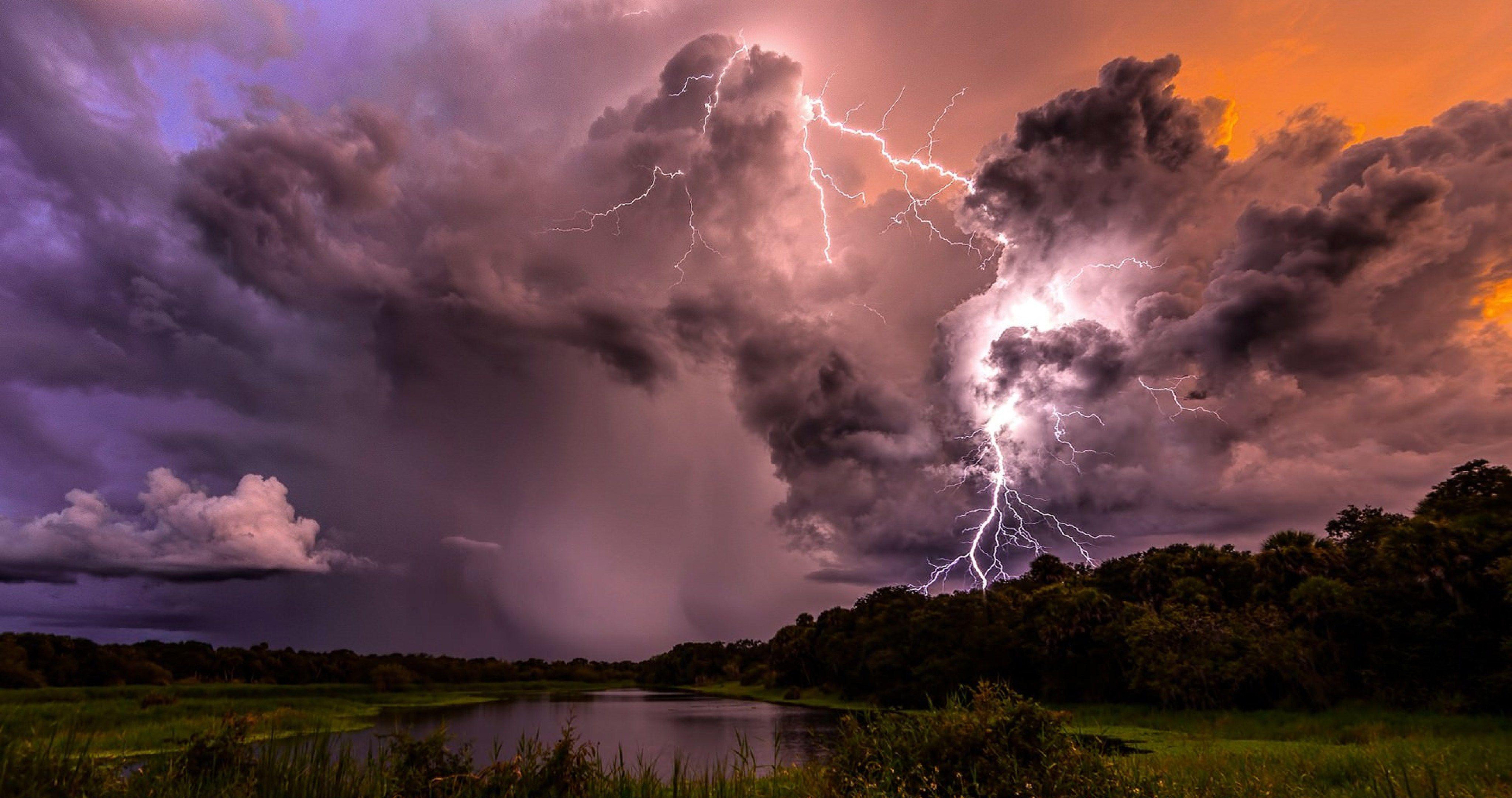 Lightning Clouds Storm 4k Ultra Hd Wallpaper Landscape Photography Lightning Photography Lightning Storm