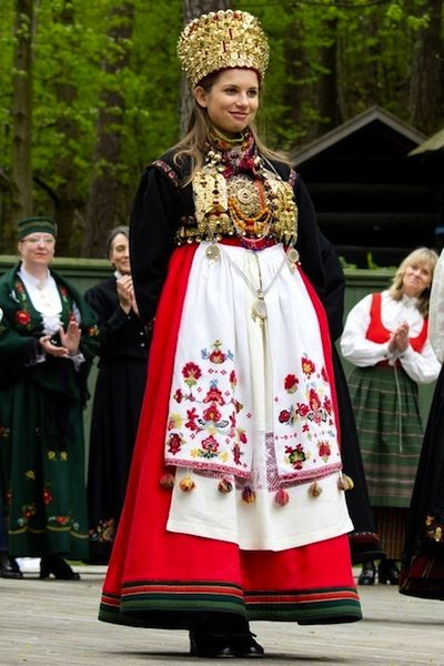 Explore Traditional Dresses And More Old Norwegian Wedding Traditions