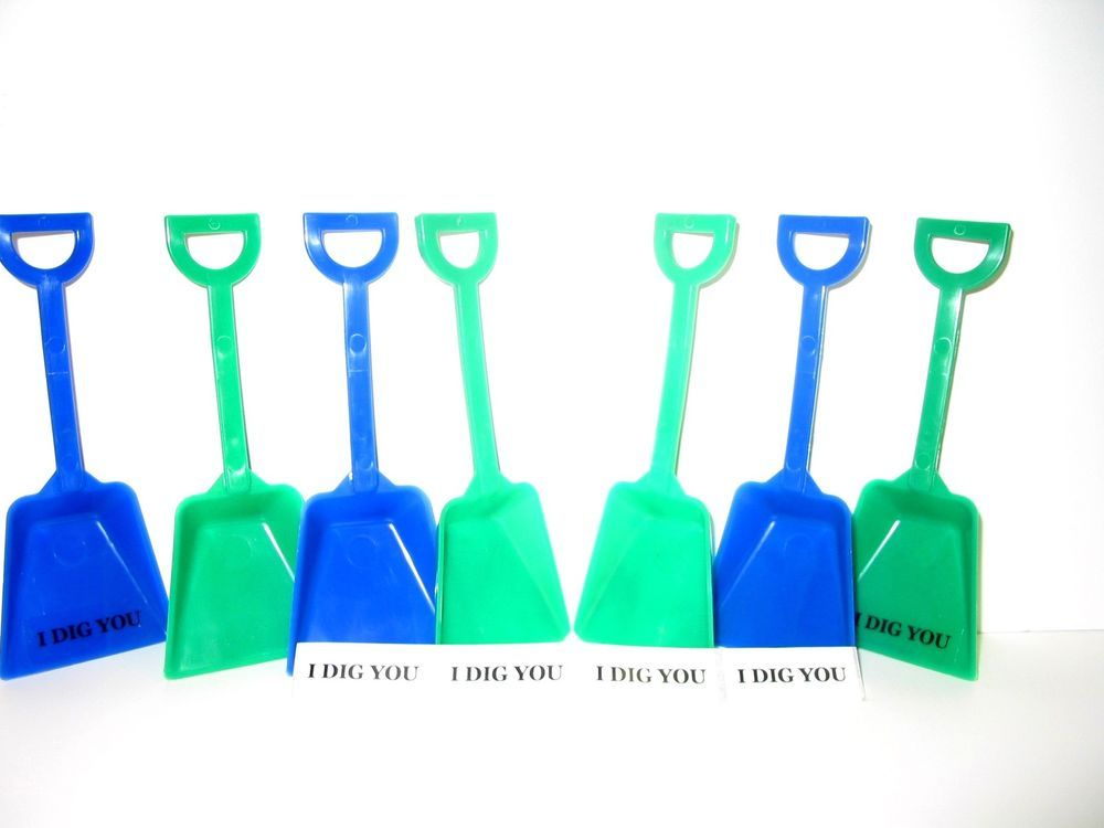 12-6 each Lime and Blue Toy Plastic Shovels I Dig You Stickers Mfg USA*