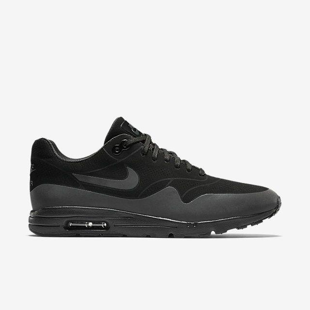 Nike Air Max 1 Ultra Moire Women S Shoe Nike Com Nike Runners Nike Air Max Nike Boots