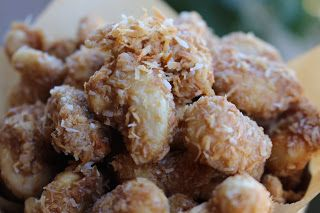 My Delicious Vegan Diary: Toasted Coconut Cashews