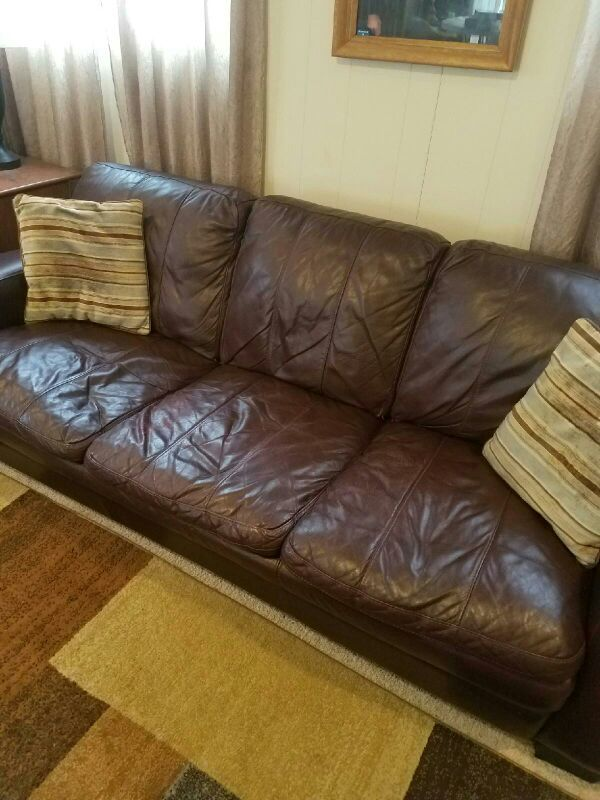 Brown Leather Sofa For Sale In Waterford Township Mi Offerup Leather Sofa Brown Leather Sofa Leather Couches For Sale