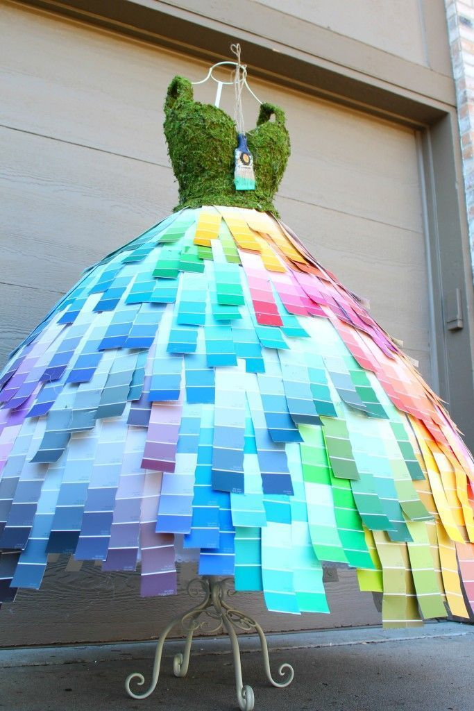 Info's : Paint chip mannequin by the Magic Brush Inc / Jennifer Allwood #paint #painting #creative