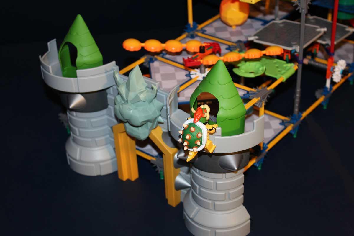Bowser Scaling Castle Epic Mario Bowser S Castle Le