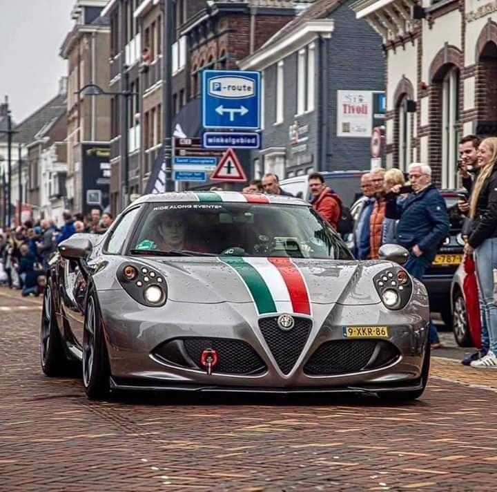Pin By Tom Majerus On Alfa Romeo Classiche In 2020 British Sports Cars Alfa Romero Caterham Seven