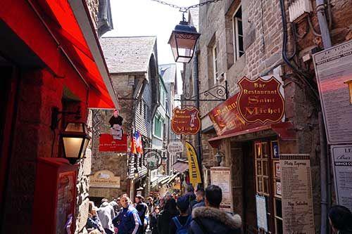Mont Saint Michel, rua principal, 15 horas